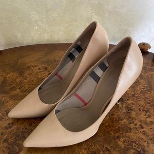 BURBERRY Leather Pointed-Toe Pumps
